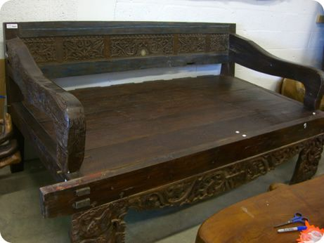 Antique Daybed - Taman Style